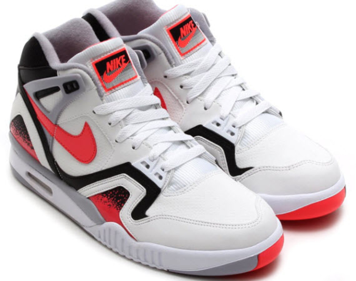Last September - or lightyear in sneaker development cycles these days - we  gave you a preview of what was in store for the Nike Air Tech Challenge II  in ... 1e58612ea