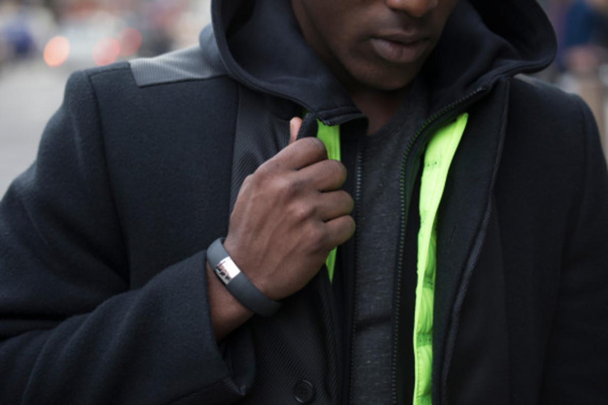 nike-fuelband-se-silver-04