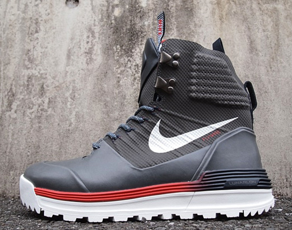 info for 8afd4 1eba5 ... Winter Olympics in Sochi, Russia, Nike and its Nike Sportswear will be  honoring Team USA athletes with a special LunarTerra Arktos QS