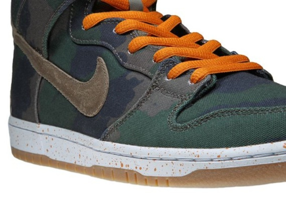 nike dunk high detailed look