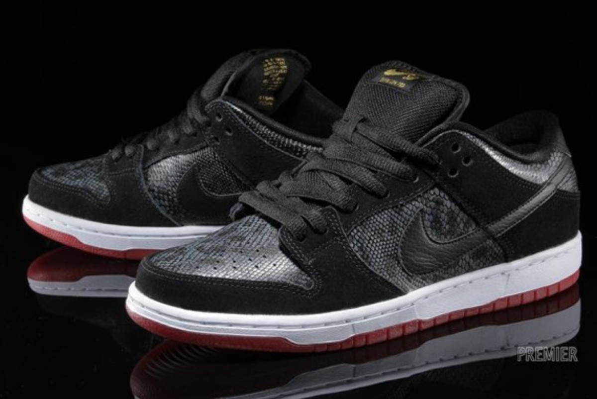 ... nike sb dunk low pro obsidian gym red; also featuring a padded black  nylon tongue and a white and red sole this is as ...