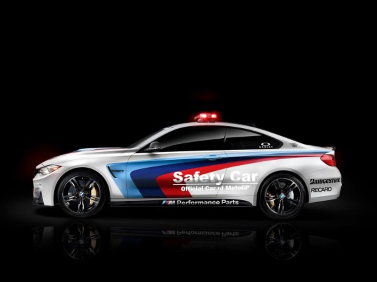 bmw-m4-coupe-2014-motogp-safety-car-02