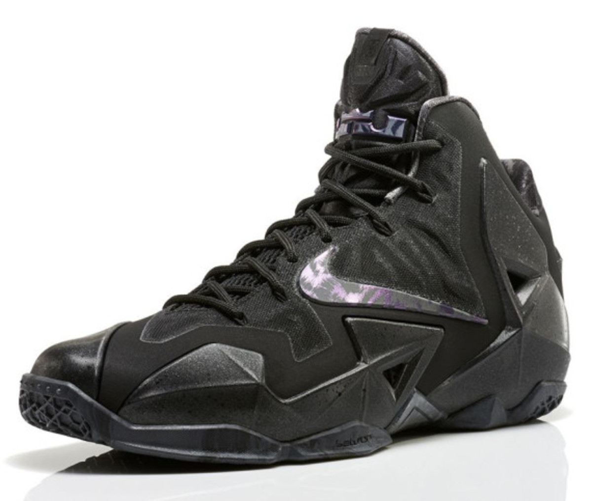 nike-lebron-11-anthracite-release-info-04