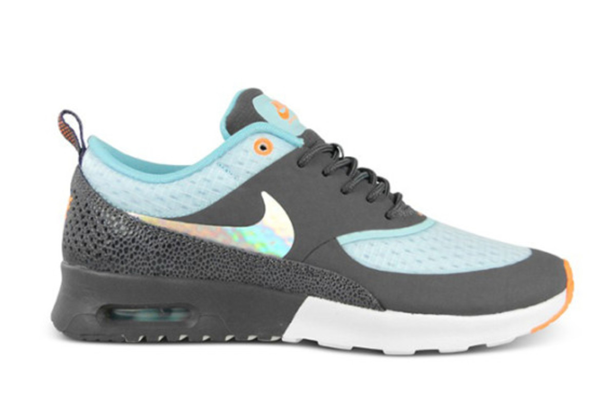nike wmns air max thea premium hologram freshness mag. Black Bedroom Furniture Sets. Home Design Ideas