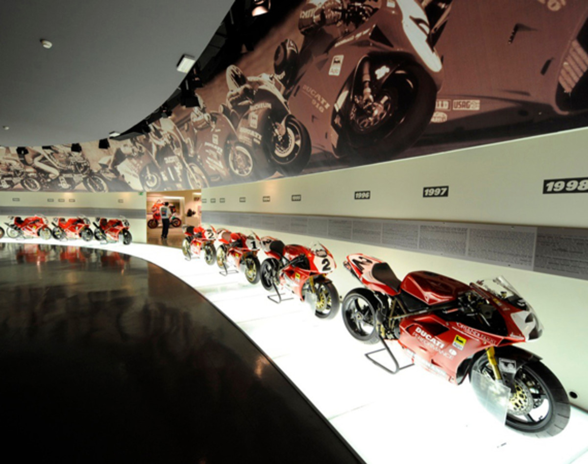 tour-the-ducati-museum-with-google-maps-01