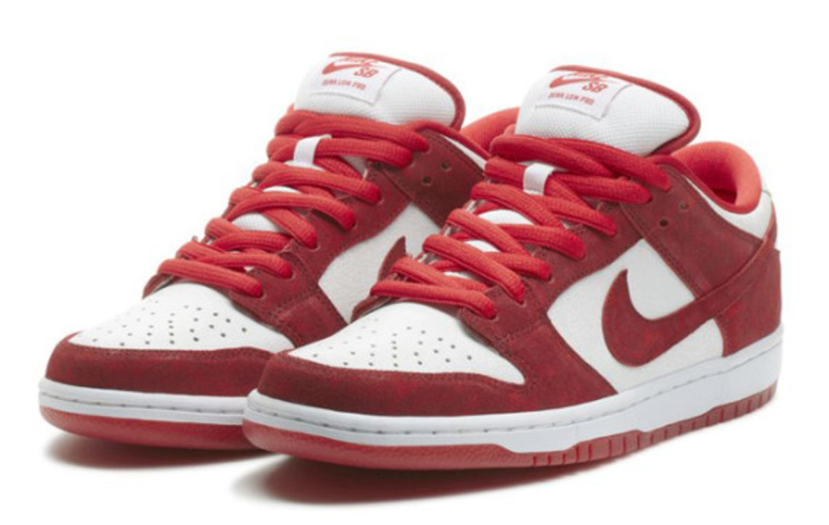 nike-sb-dunk-low-pro-valentines-day-04