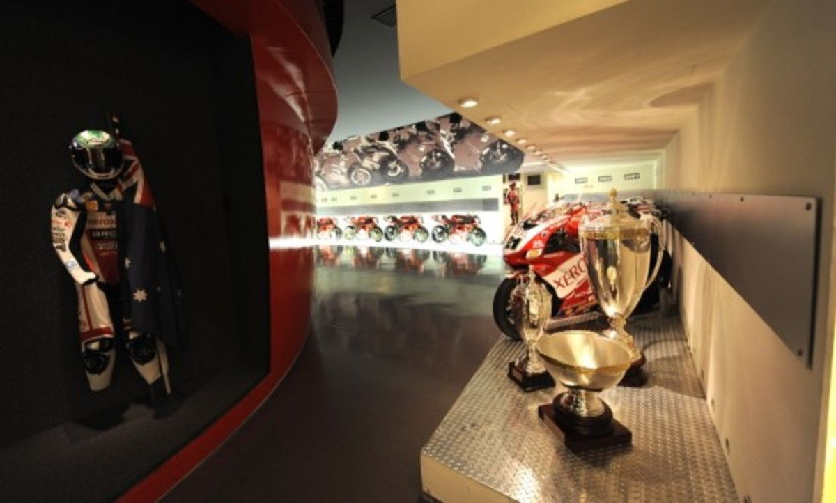 tour-the-ducati-museum-with-google-maps-02