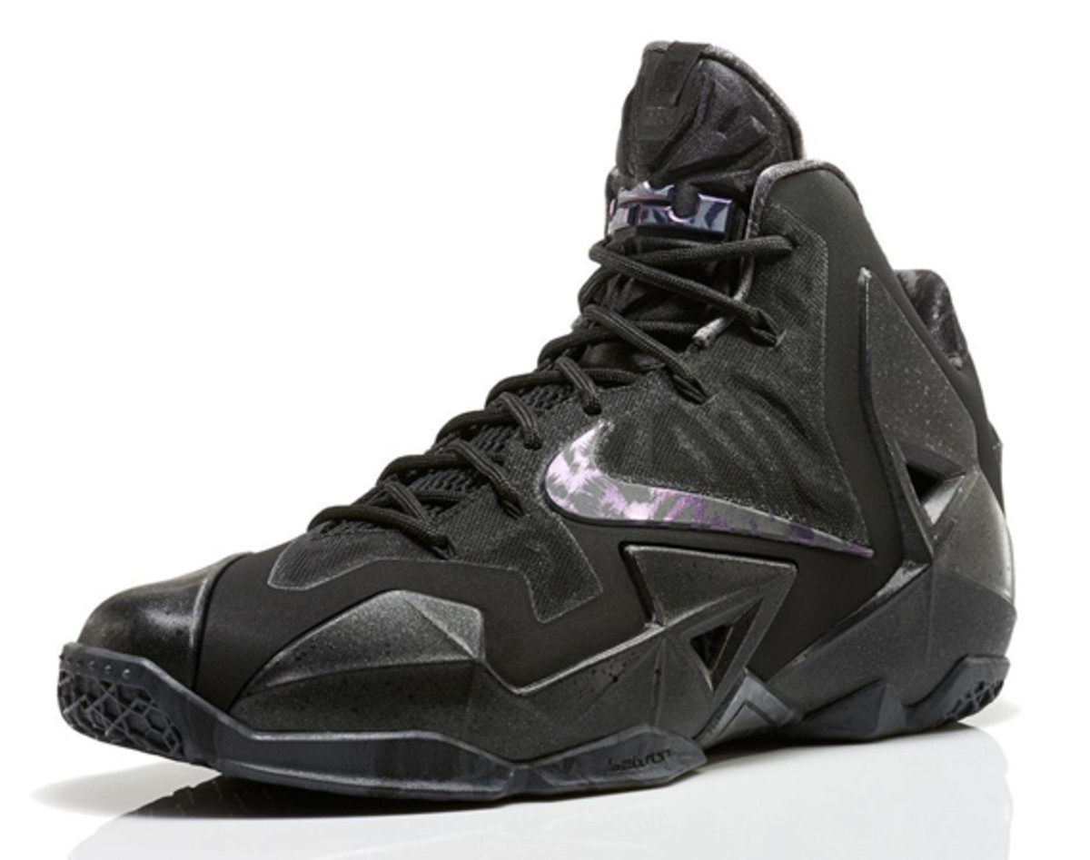 nike-lebron-11-anthracite-release-info-01