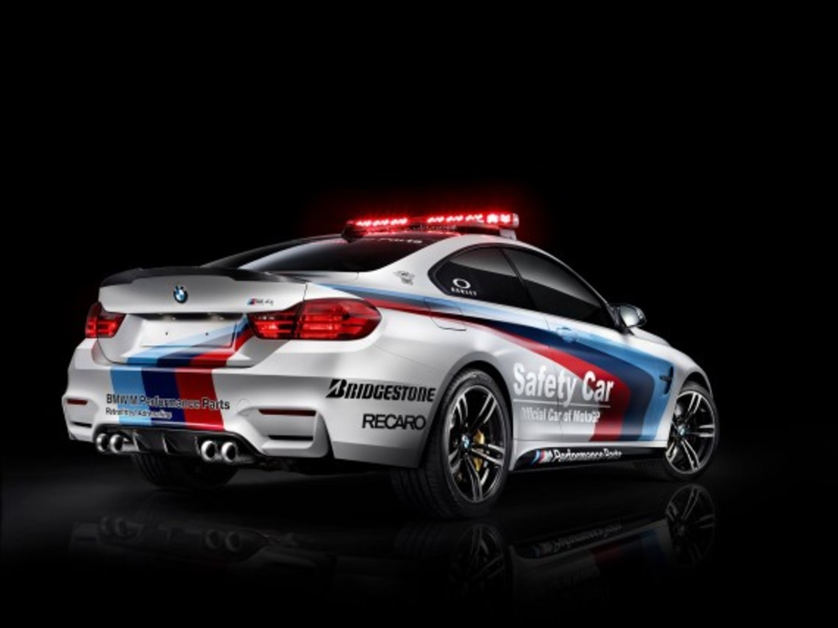 bmw-m4-coupe-2014-motogp-safety-car-03