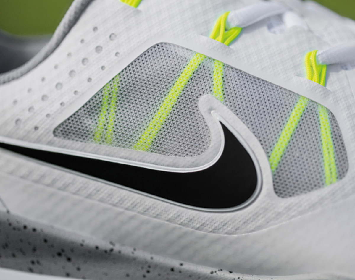 nike-tw-14-mesh-breathable-and-lightweight-golf-shoe-01