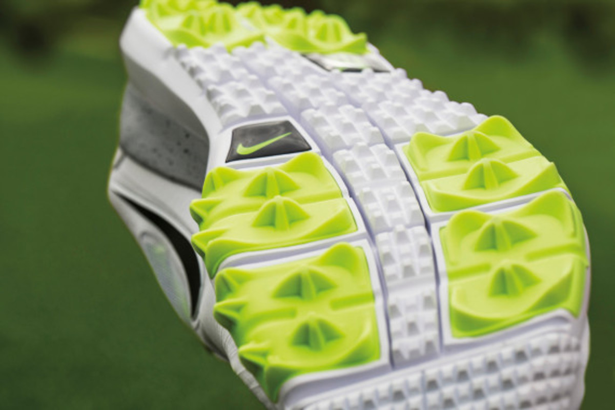 nike-tw-14-mesh-breathable-and-lightweight-golf-shoe-05