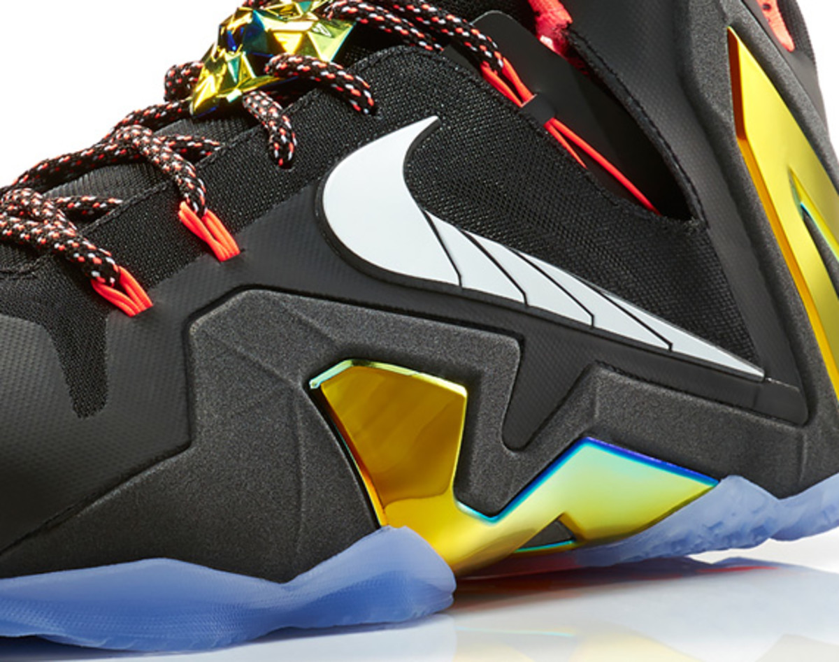 nike-lebron-11-elite-gold-03