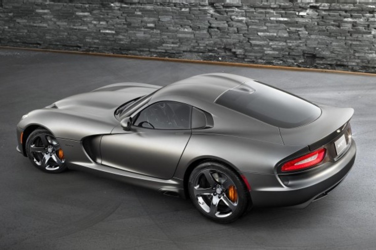 2014-srt-viper-gts-anodized-carbon-edition-03