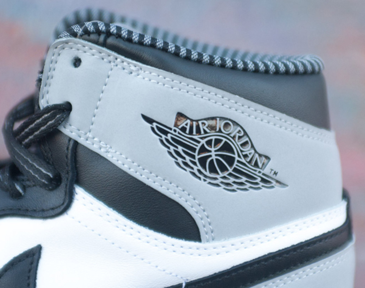 air-jordan-1-retro-high-og-barons-01