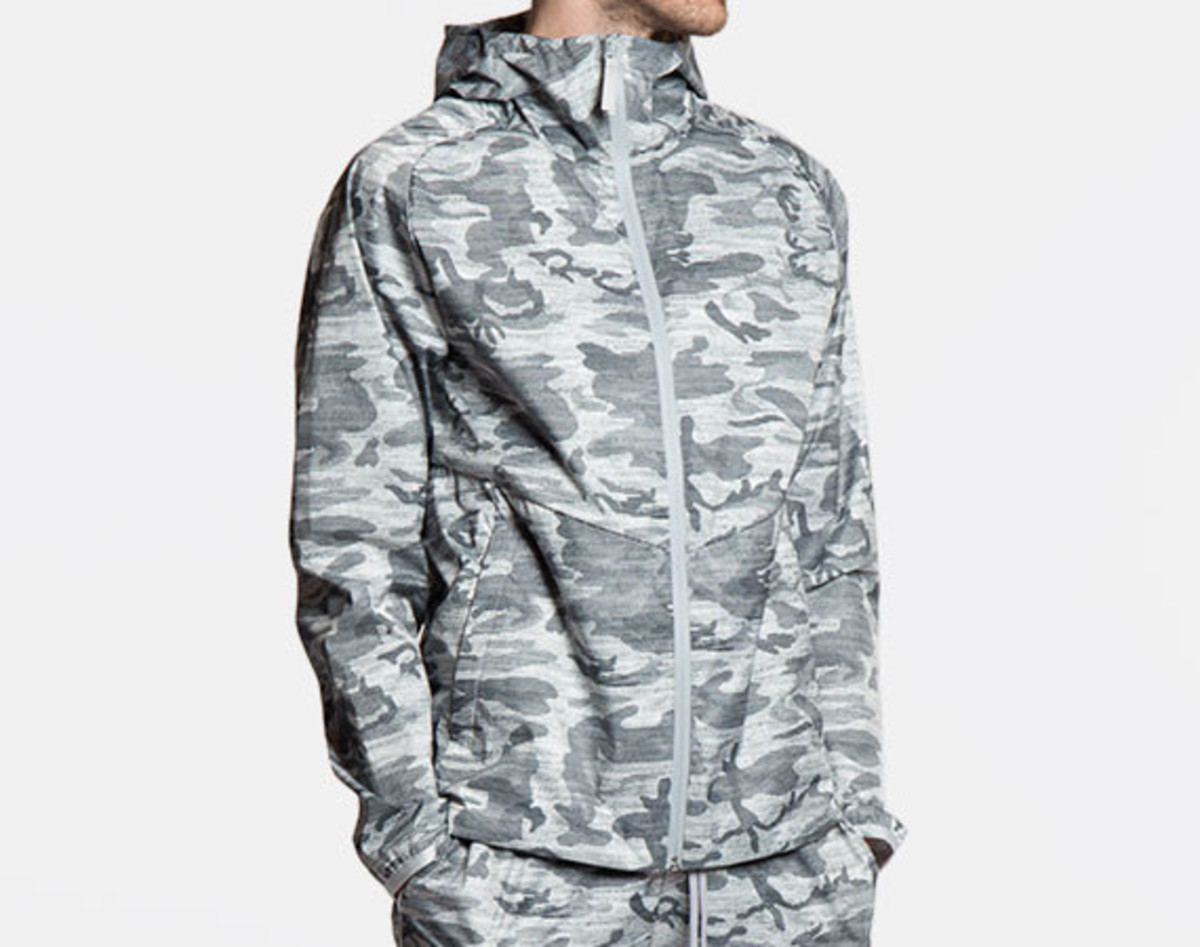 reigning-champ-camo-hooded-jacket-01