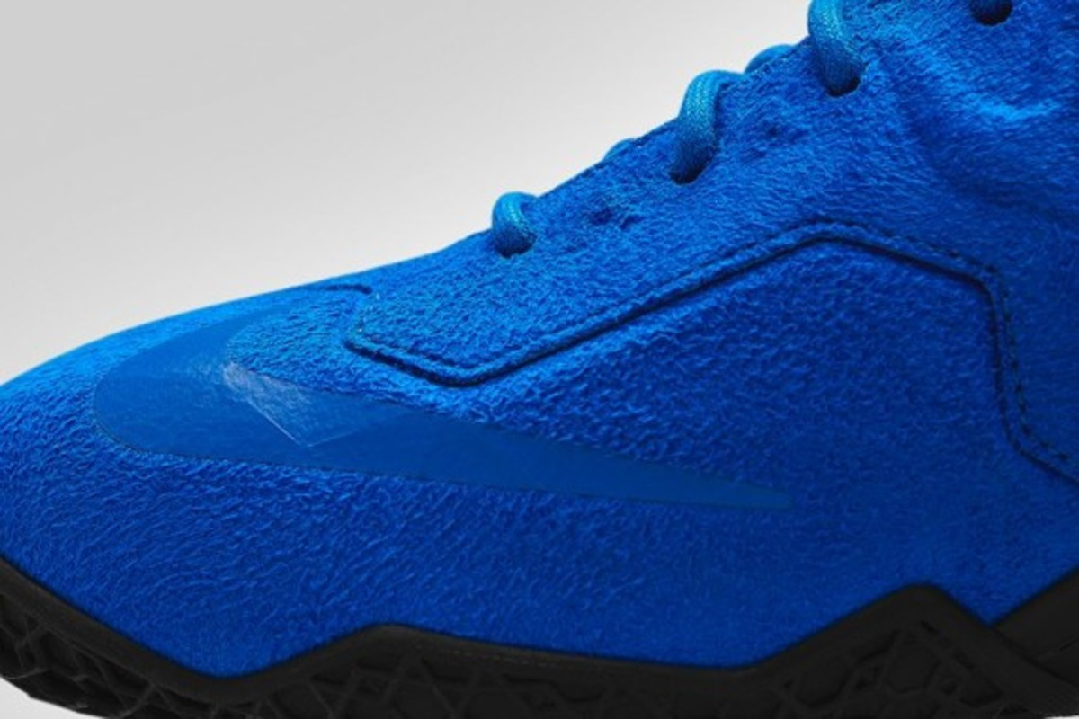 nike-lebron-11-ext-blue-suede-release-info-06