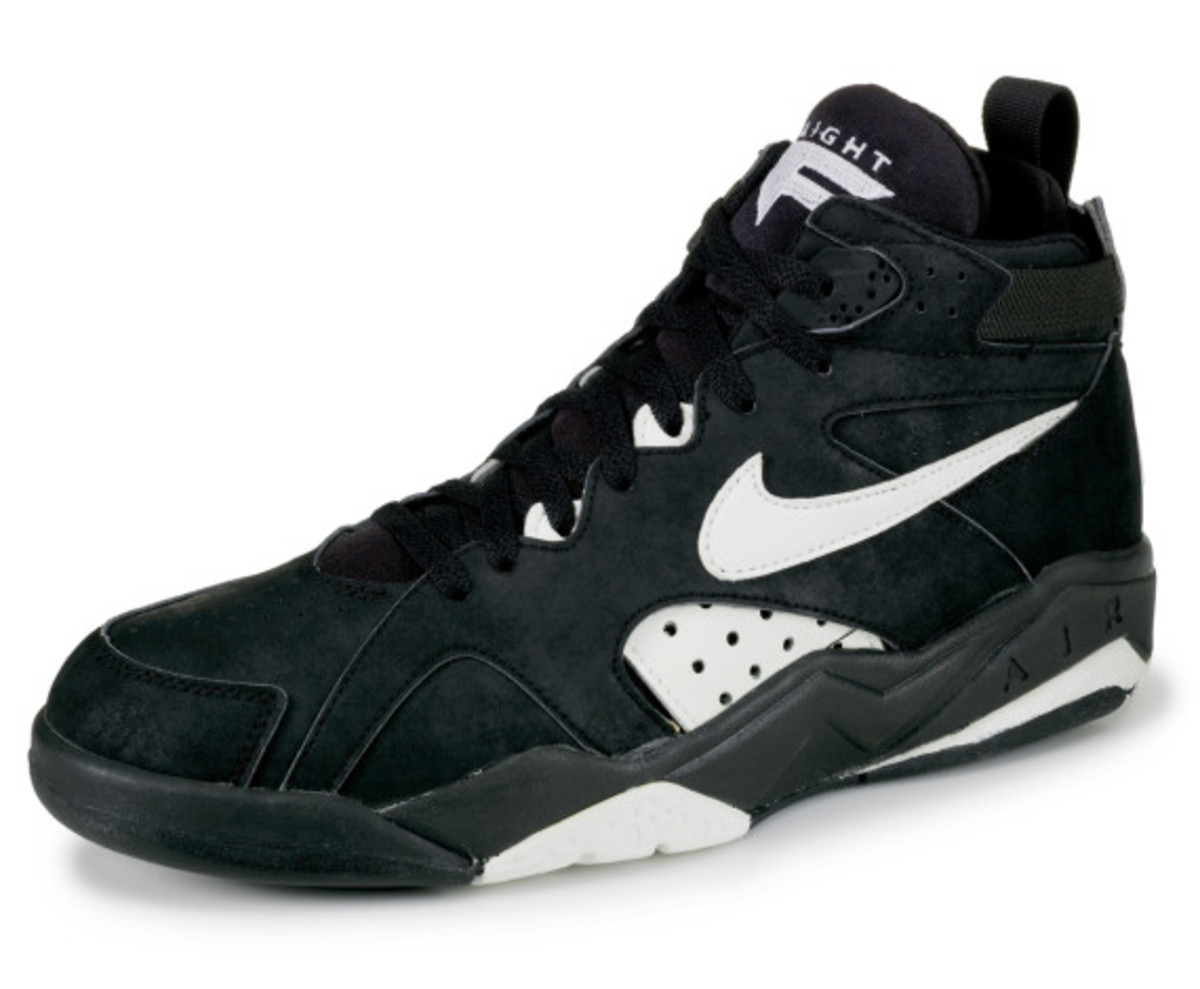 nike-inside-access-nike-air-maestro-flight-1-