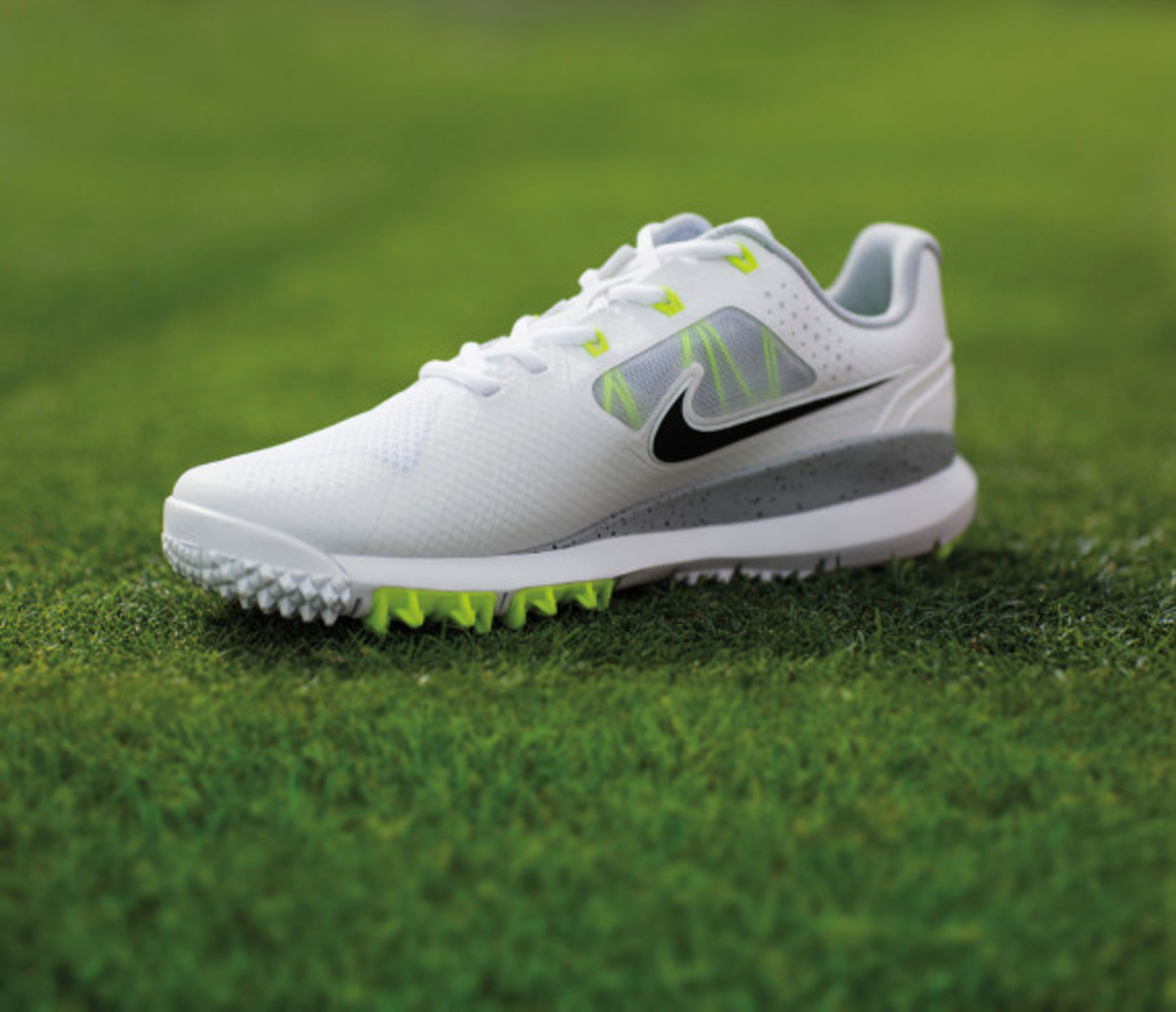 nike-tw-14-mesh-breathable-and-lightweight-golf-shoe-02