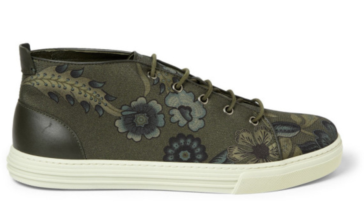 gucci-flower-print-canvas-sneakers-04