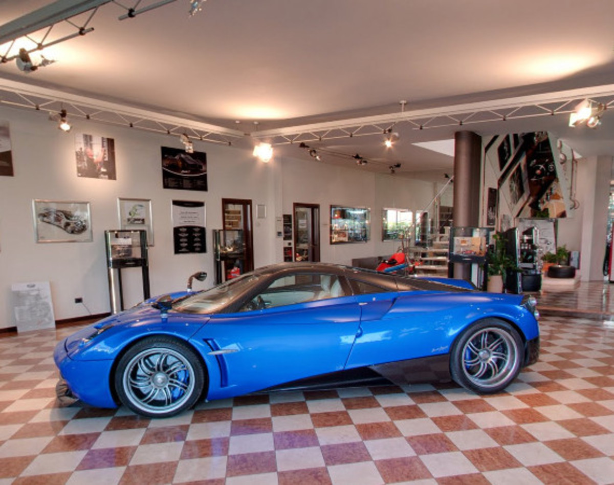 tour-the-pagani-modenese-atelier-headquarters-with-google-maps-01