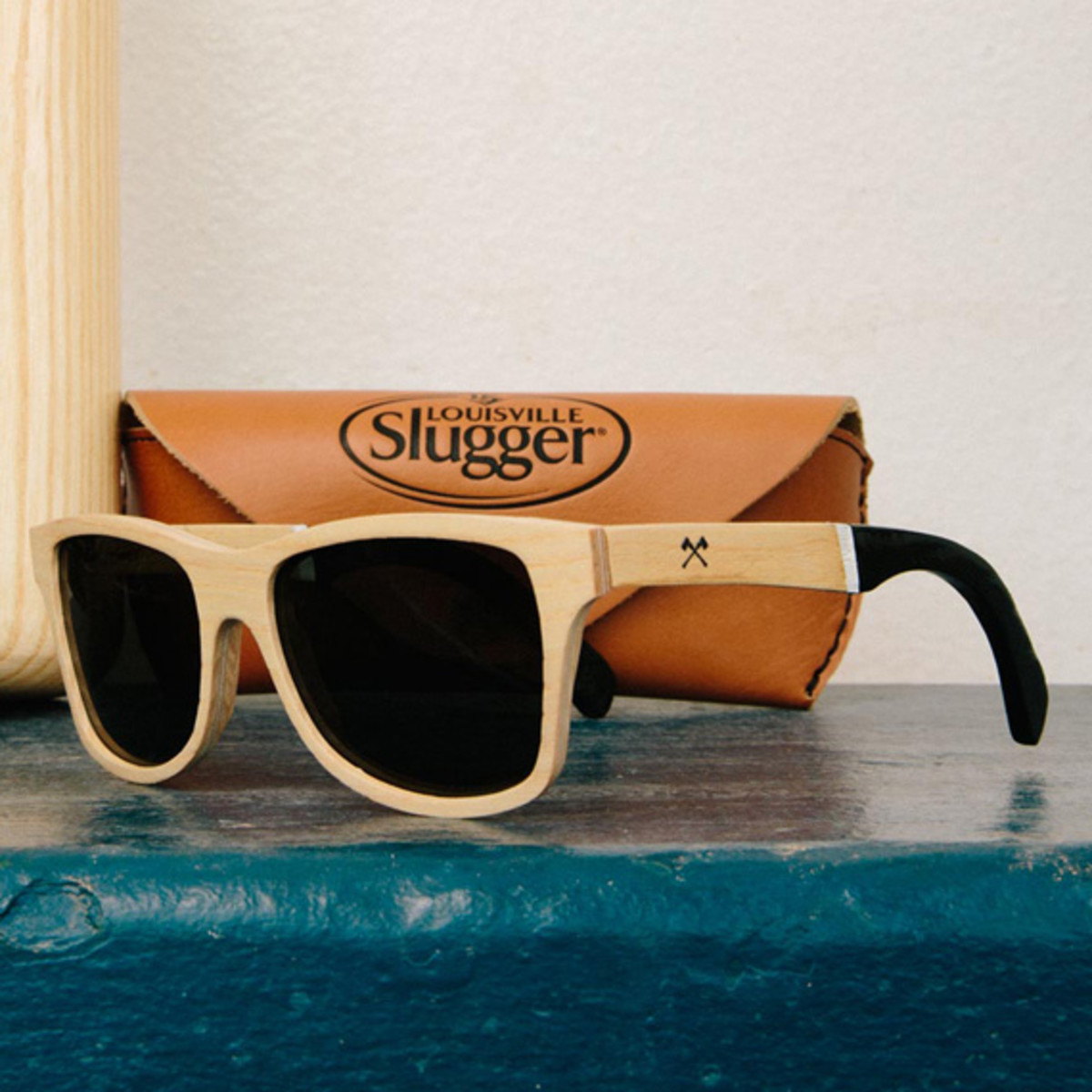louisville-slugger-x-shwood-ash-wood-eyewear-collection-00