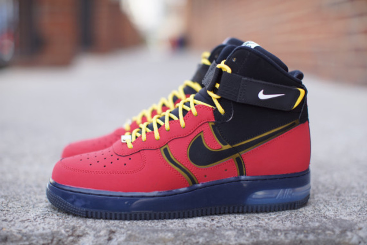 nike-air-force-1-high-bakin-02