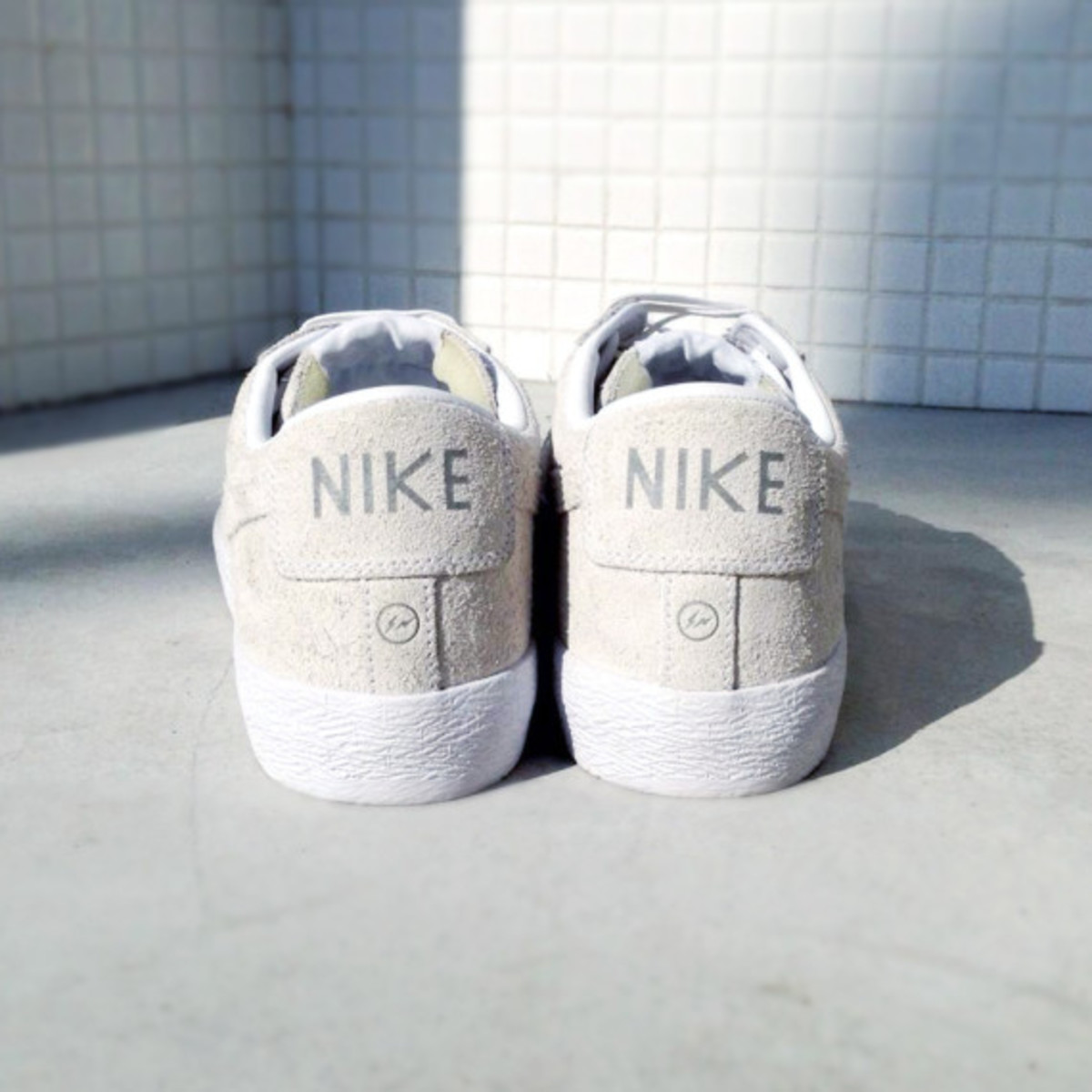 fragment-design-nike-blazer-low-sp-for-the-pool-aoyama-03