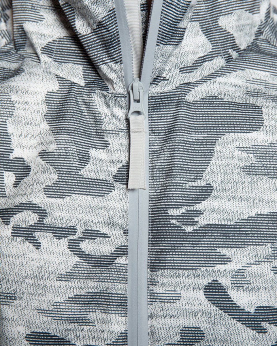 reigning-champ-camo-hooded-jacket-06
