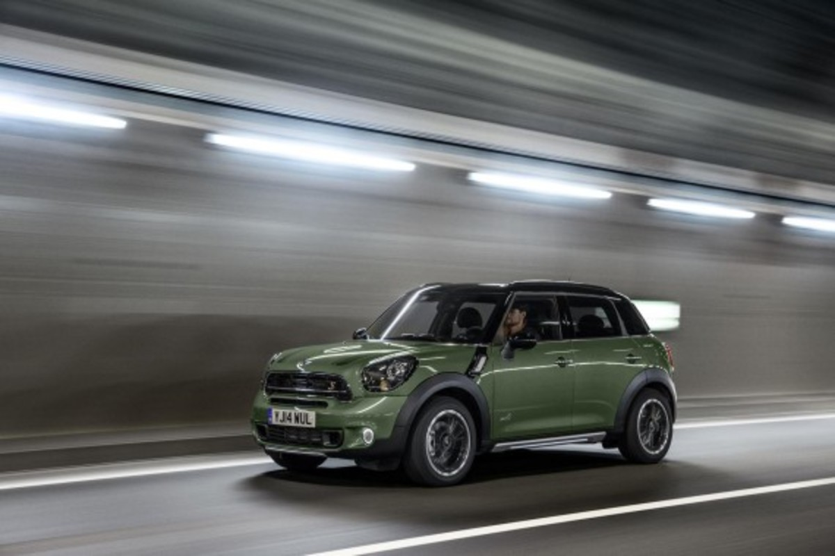 2015-mini-countryman-02