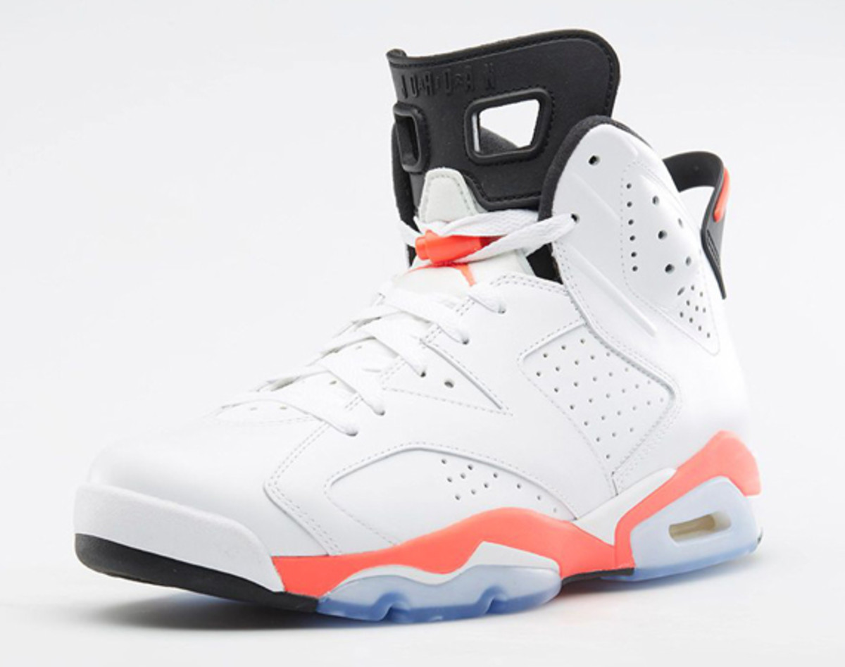 foot-locker-sneaker-restocks-during-championship-week-01