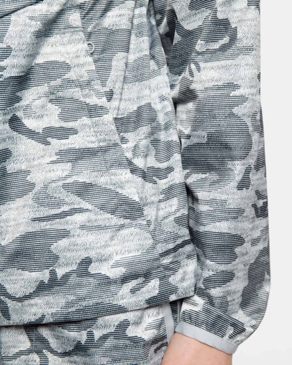 reigning-champ-camo-hooded-jacket-07