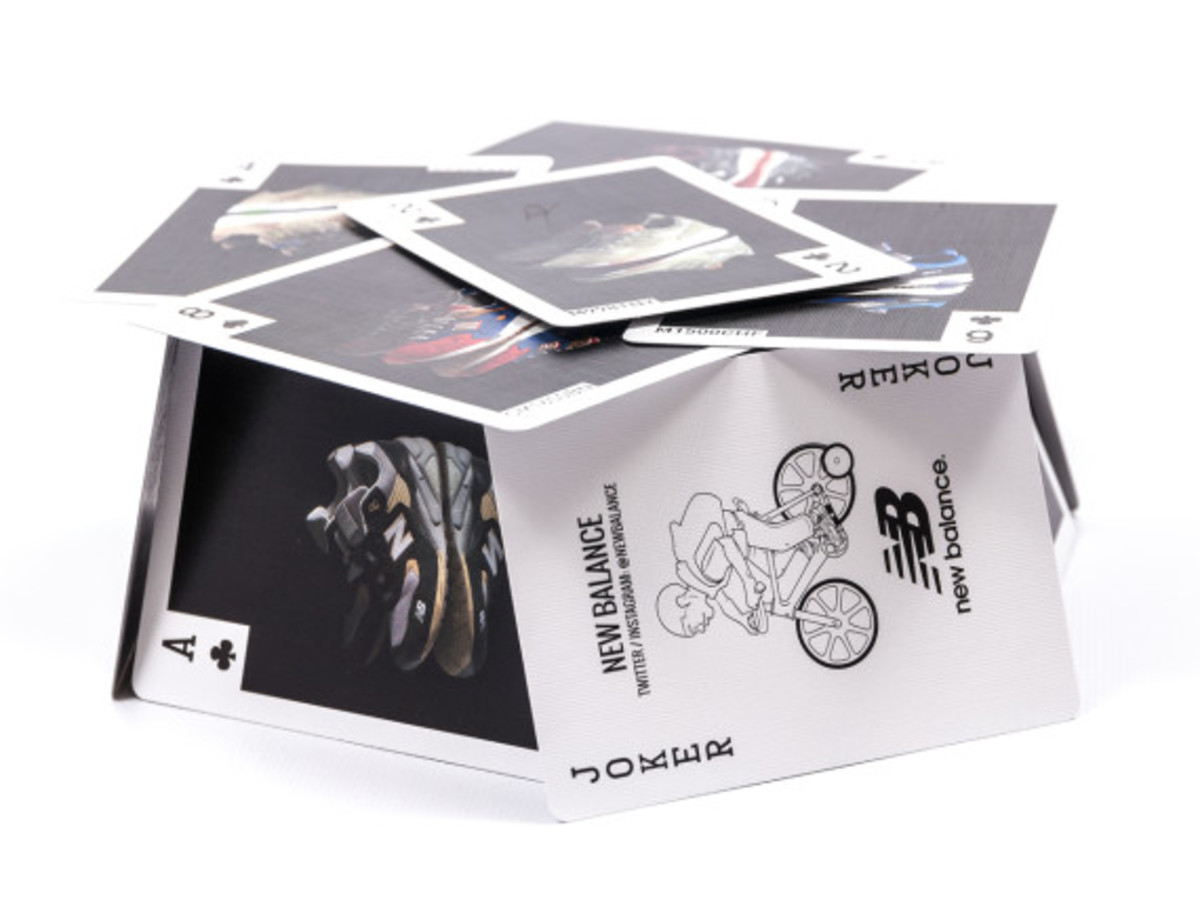 distinct-life-new-balance-bicycle-playing-cards-02