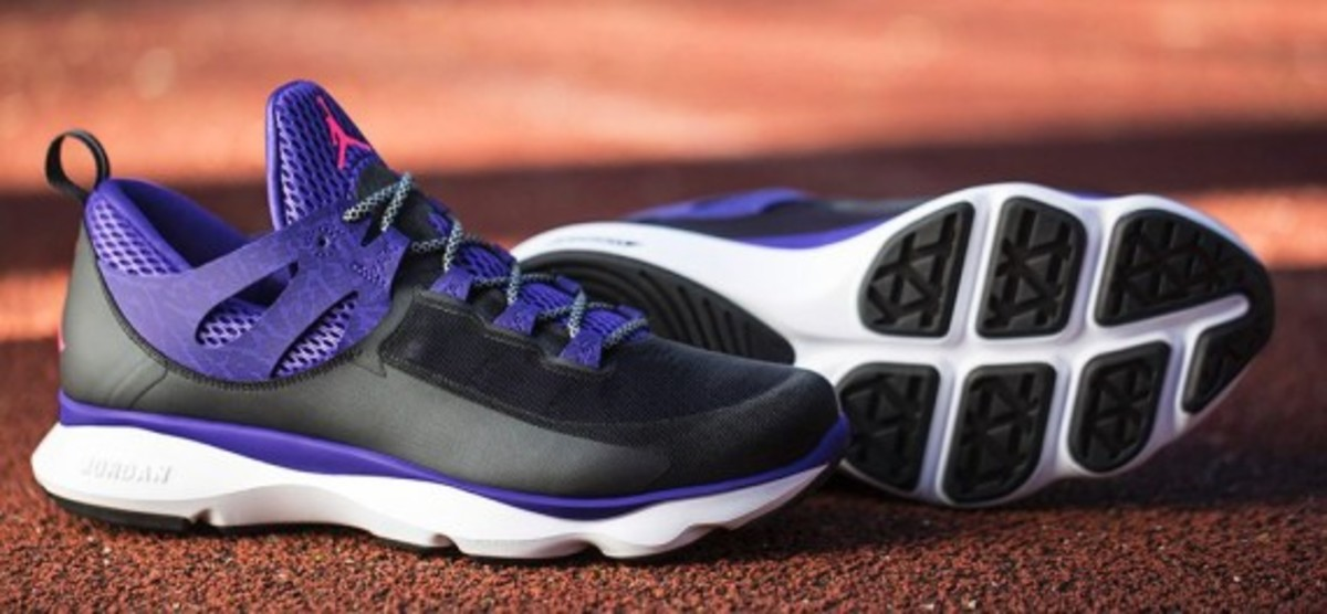 jordan-flight-runner-black-infrared-23-dark-concord-09