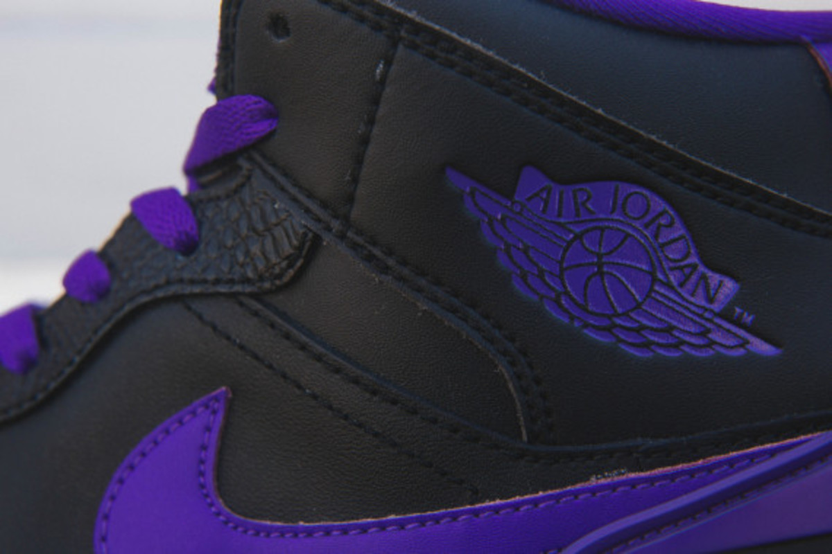 air-jordan-retro-86-dark-concord-03