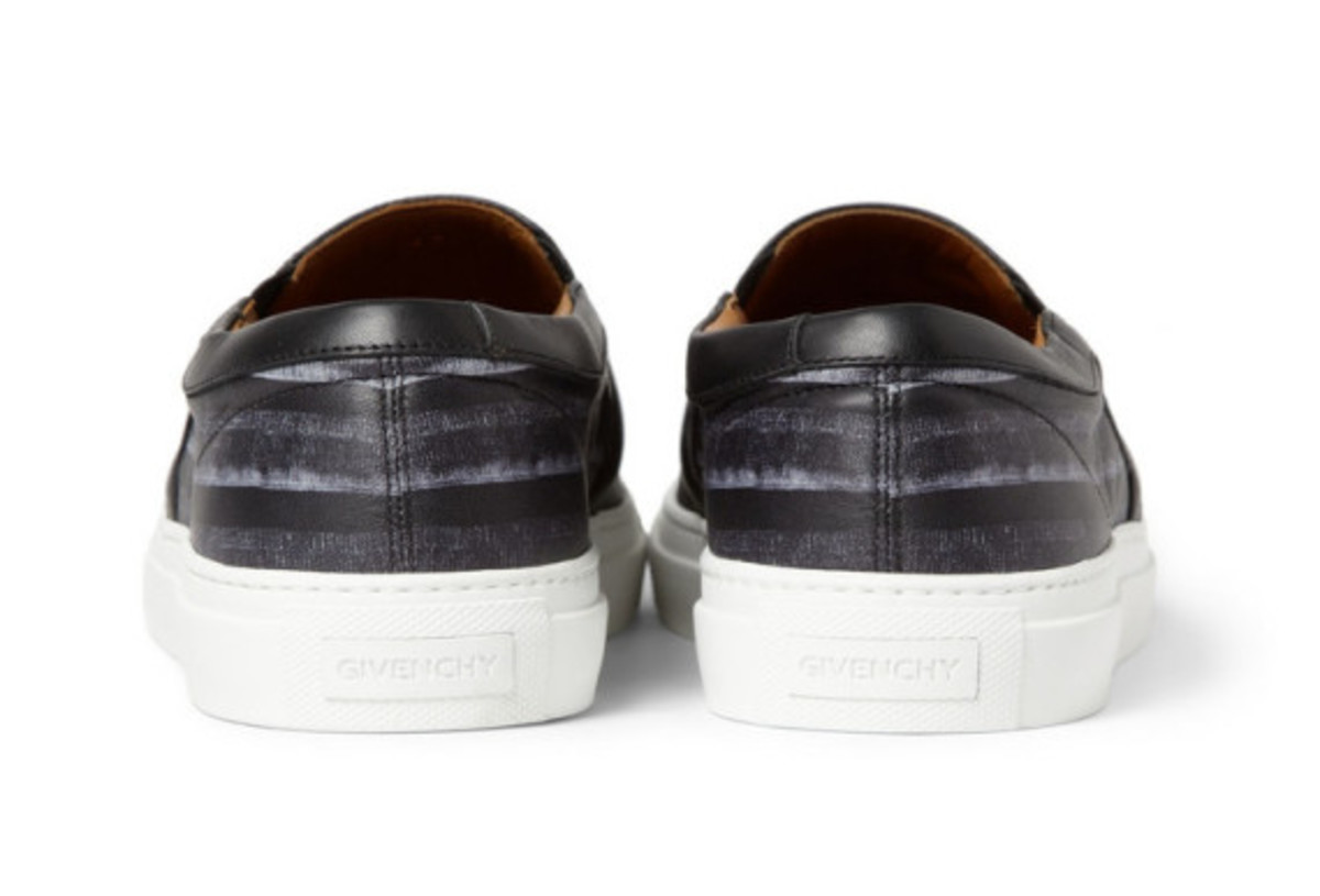 givenchy-flag-print-leather-sneaker-03