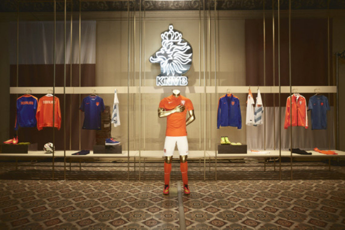 nike-showcases-2014-football-innovations-06
