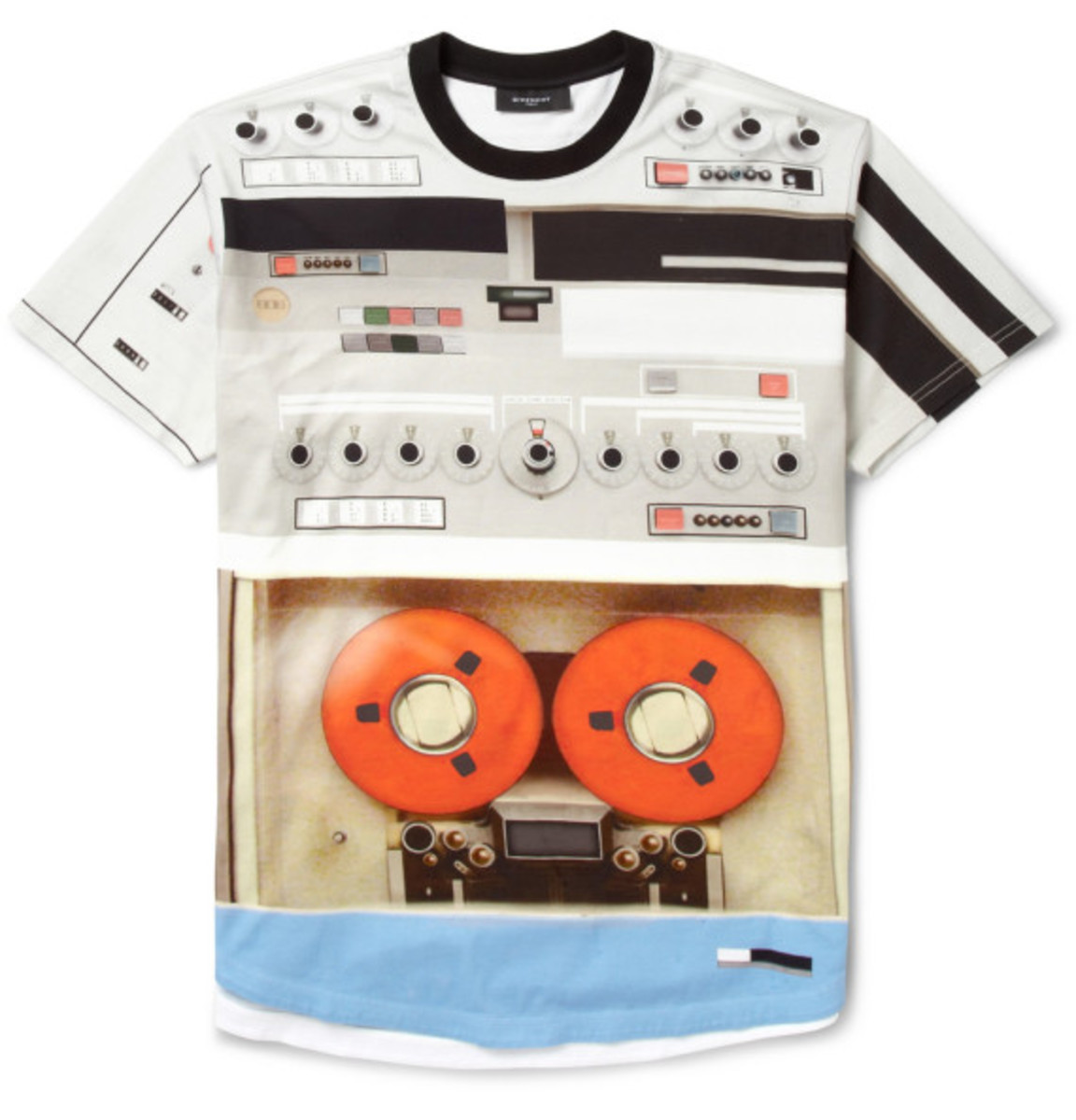 givenchy-tape-deck-print-t-shirt-06