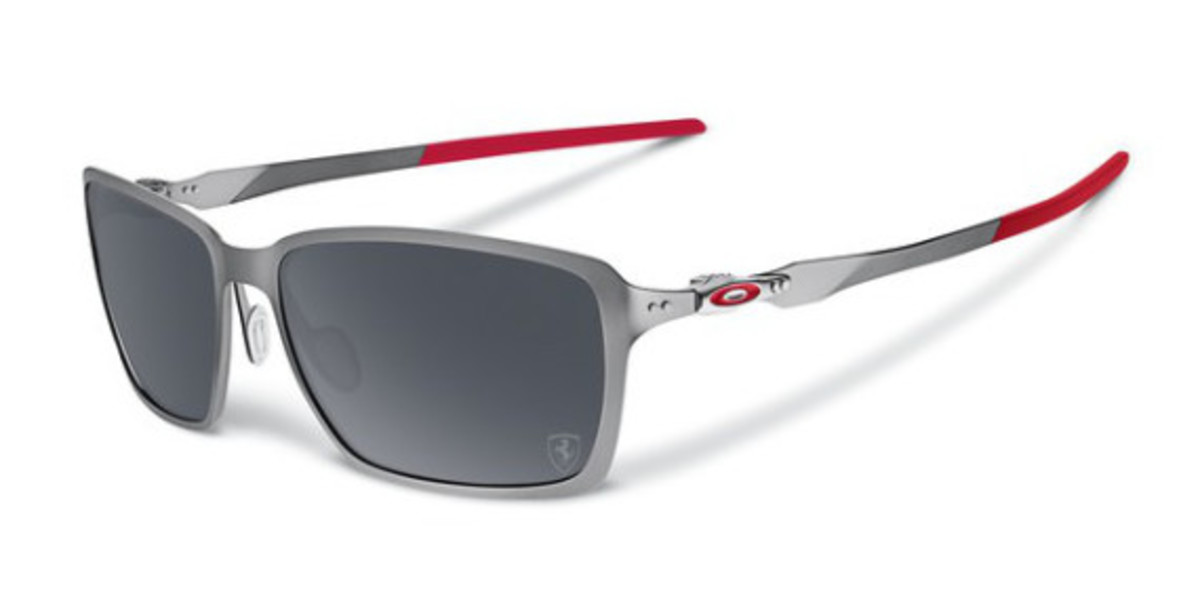 oakley-ferrari-partnership-unveiled-02