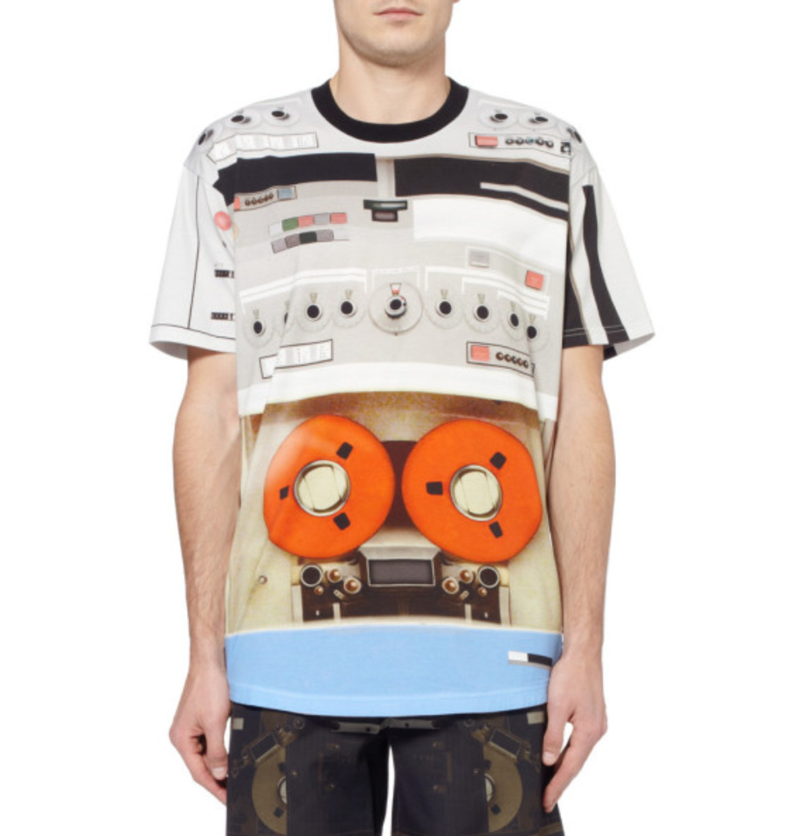 givenchy-tape-deck-print-t-shirt-03