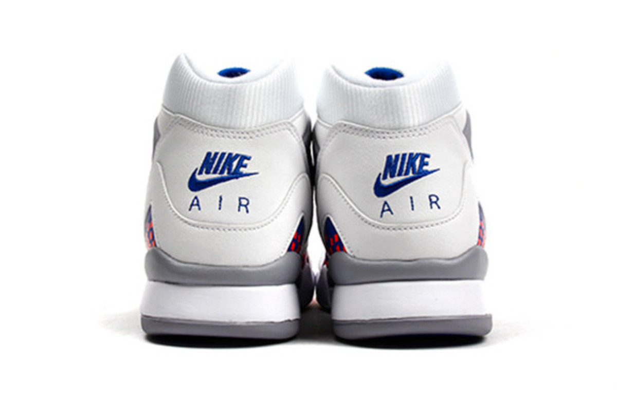 nike-air-tech-challenge-ii-cube-court-05