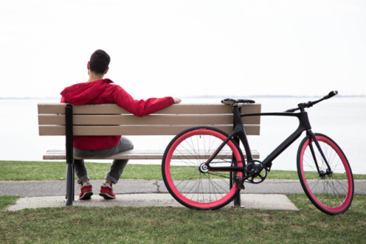vanhawks-valour-first-ever-connected-carbon-fiber-bicycle-06