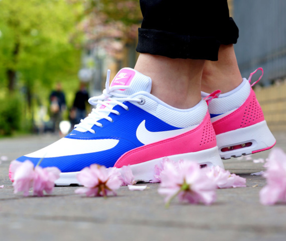 Nike WMNS Air Max Thea - Game Royal White Pink Glow Wolf