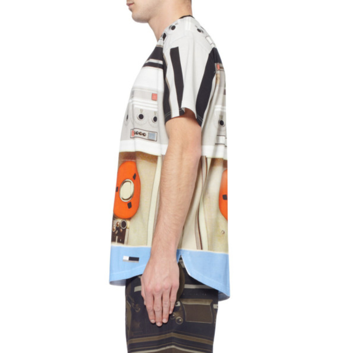 givenchy-tape-deck-print-t-shirt-04