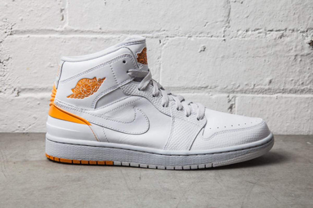 air-jordan-1-retro-86-pure-platinum-02