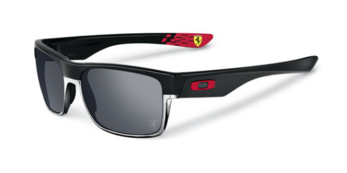 oakley-ferrari-partnership-unveiled-06