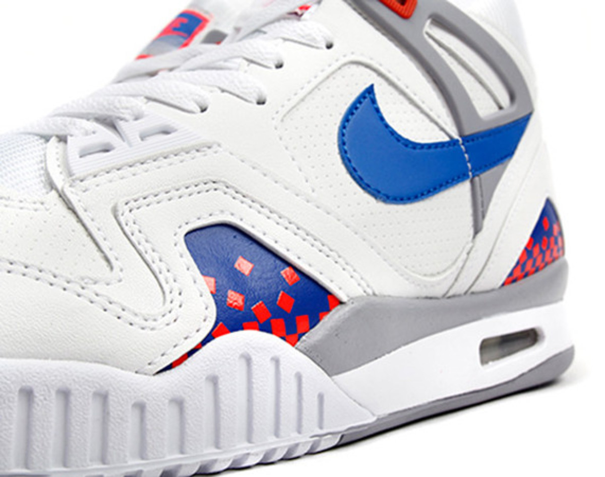nike-air-tech-challenge-ii-cube-court-01