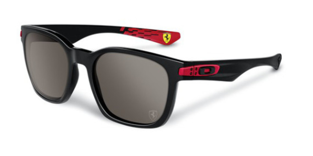 oakley-ferrari-partnership-unveiled-05