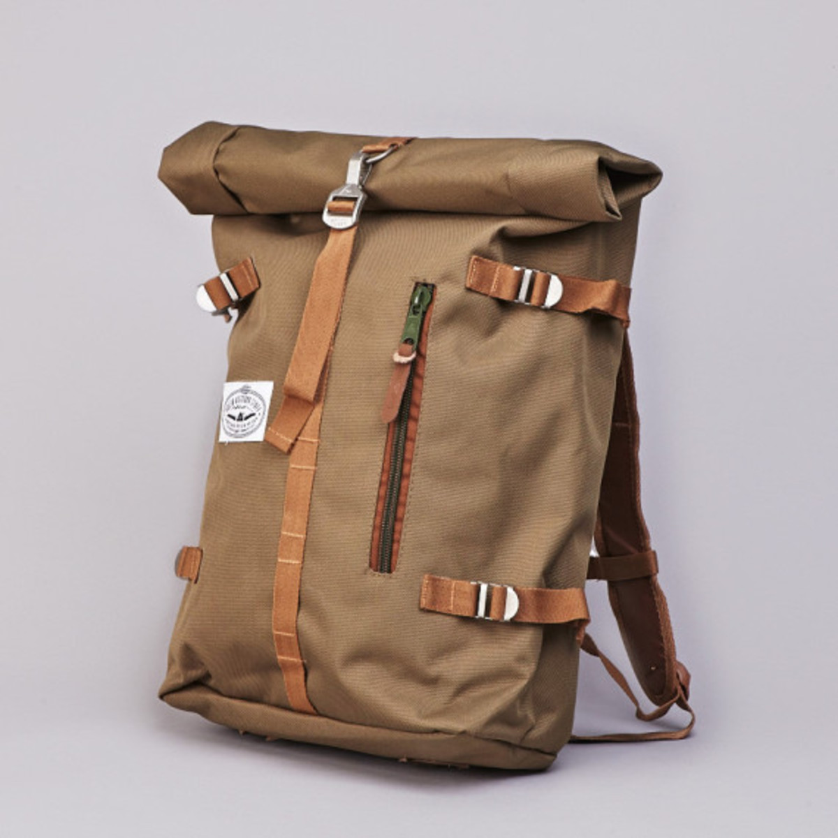poler-rolltop-backpack-olive-05