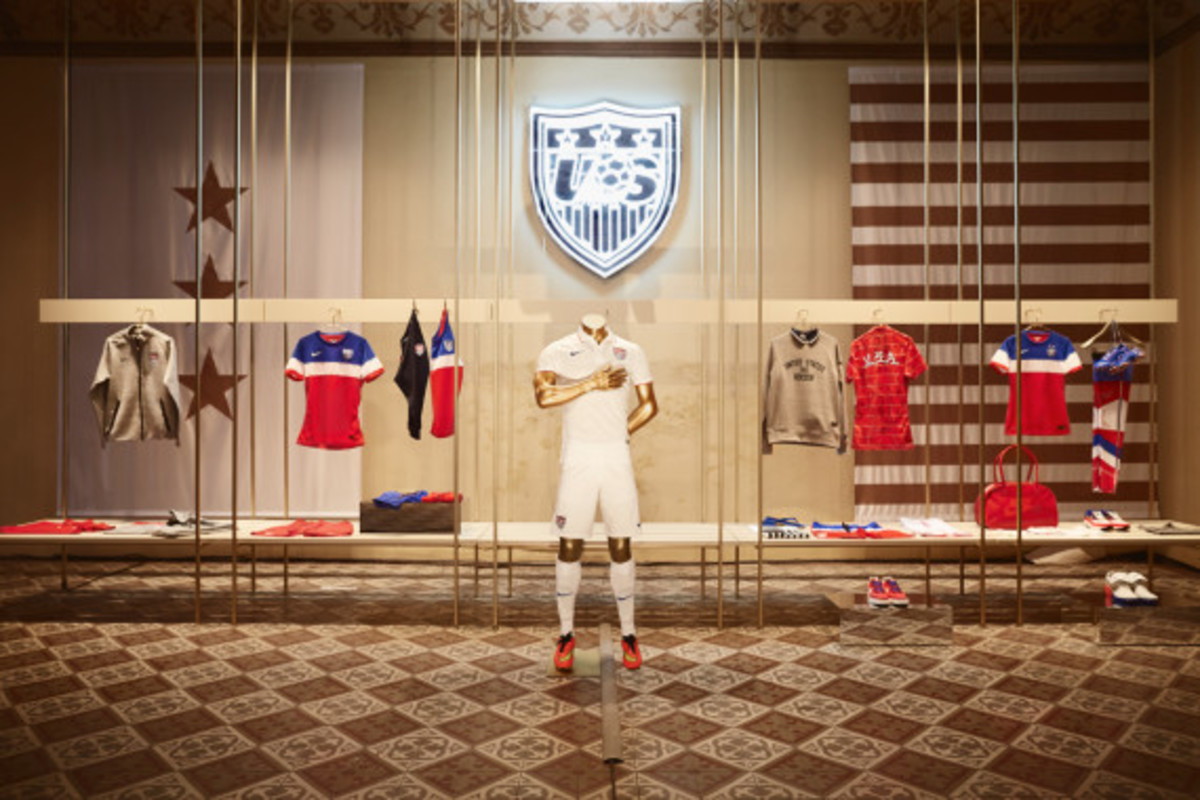 nike-showcases-2014-football-innovations-16