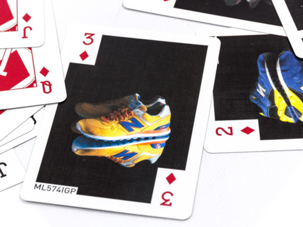 distinct-life-new-balance-bicycle-playing-cards-06